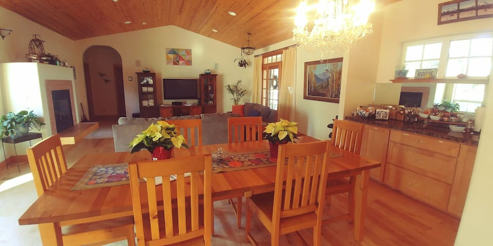 Dragonfly Ranch full Home near Eagle Crest 20 ac.