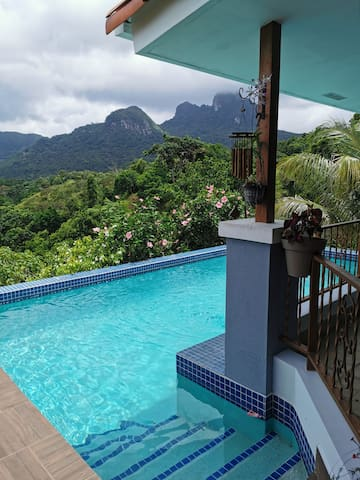 Peaceful mountain home at Trinity Hills in Panama