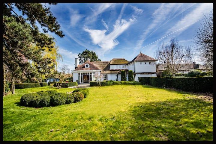 Villa close to Brussels-Aalst-Ghent-Bruges