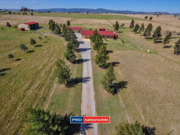 Farm Stay or Equine Retreat Close to AELEC Queen