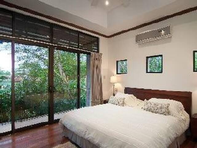 Upper Streetside Bedroom Suite