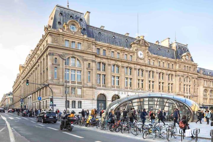 Magnifique studio sous les toits de Paris