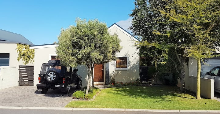 Family Holiday Home in Sandbaai, Hermanus