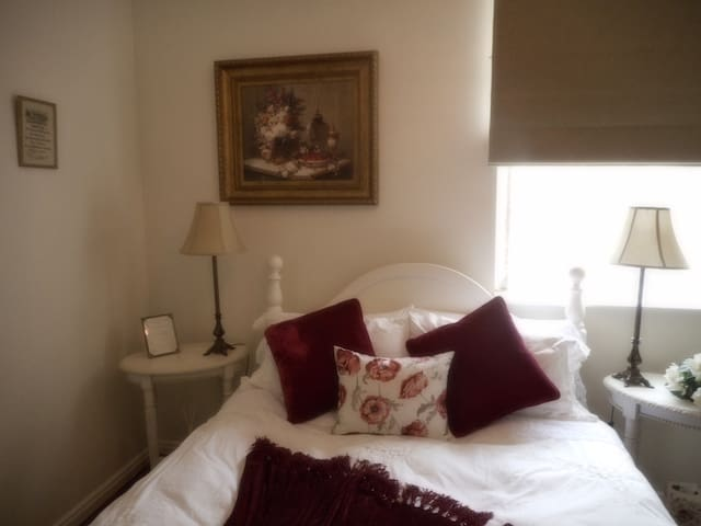 Keebles Country House - Cupid Room - Clunes - Bed & Breakfast