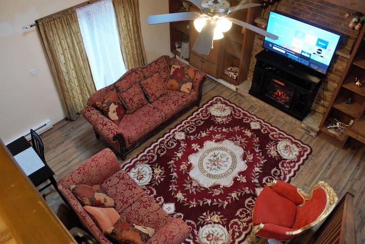 3BR Home Near Attractions & Lake, 1 night min stay