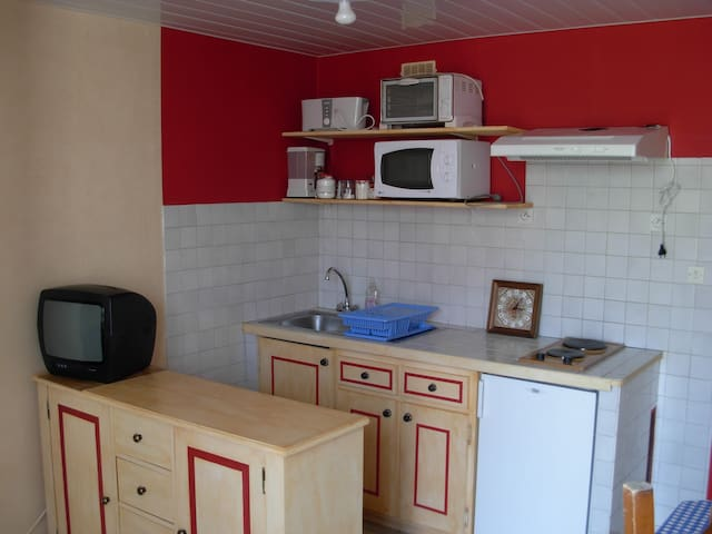 Studio 2 personnes, en Provence - Saint-Chamas