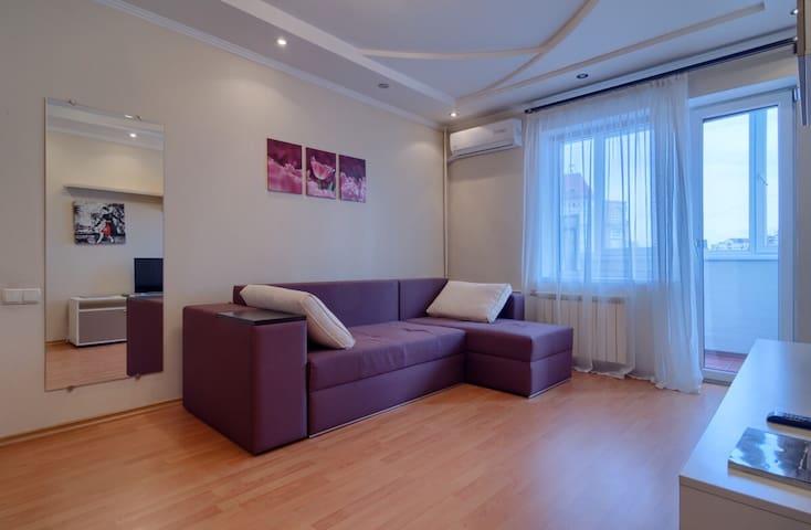 """Fresh and bright 1 room apartment """"Obolon"""""""