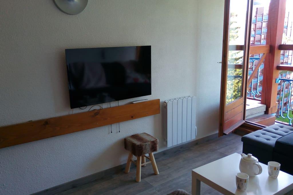 TV écran plat neuve 40''