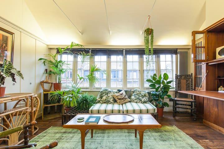 The Weaver's Room: a classic Huguenot Georgian BnB