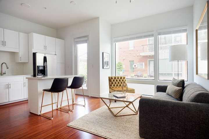Sonder | Sawyer Lofts | Vibrant 1BR + Fitness Room