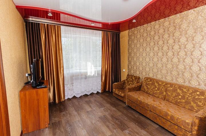Двух комнатная квартира в центре