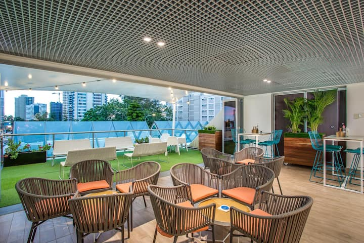Spacious Double City View At Surfers Paradise