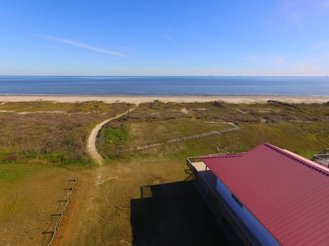 Dream Come True is a beautiful Beachfront Camp in Grand Isle
