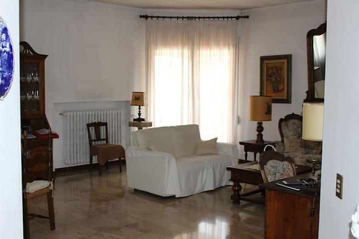 Ampio Appartamento in Residence con Piscina