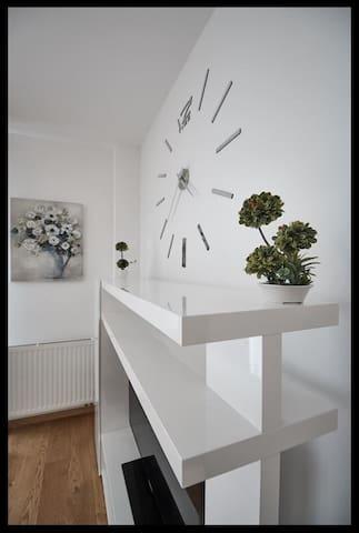 Stadthotel Hamburg House-1