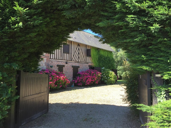 Cottage Beaumont-en-Auge mid stud - Deauville
