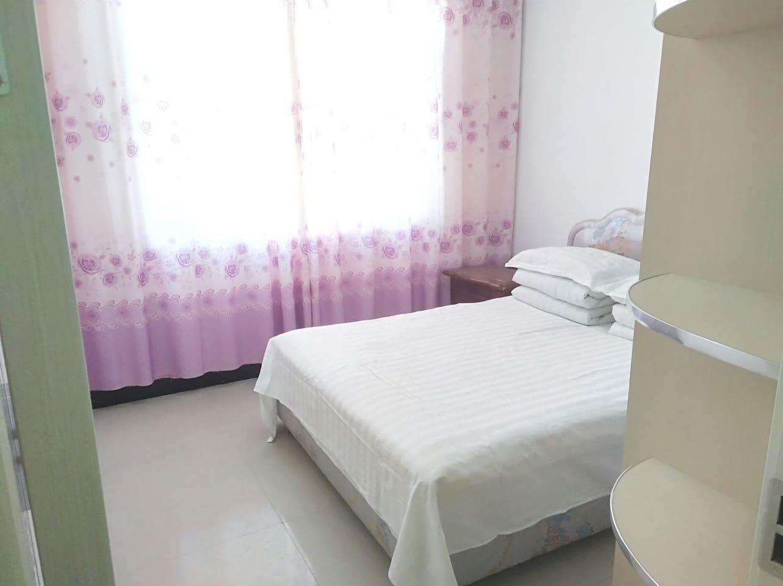 欢迎来到美丽的额济纳,看最美的胡杨,住最温馨的民宿。