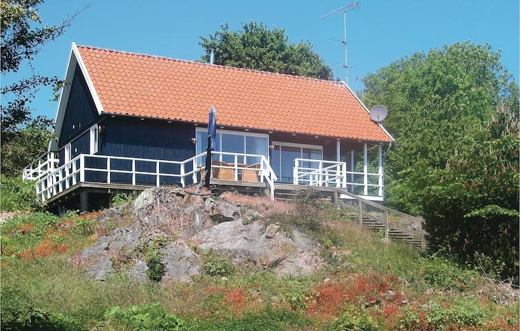 Holiday cottage with 1 bedroom on 54m² in Gudhjem