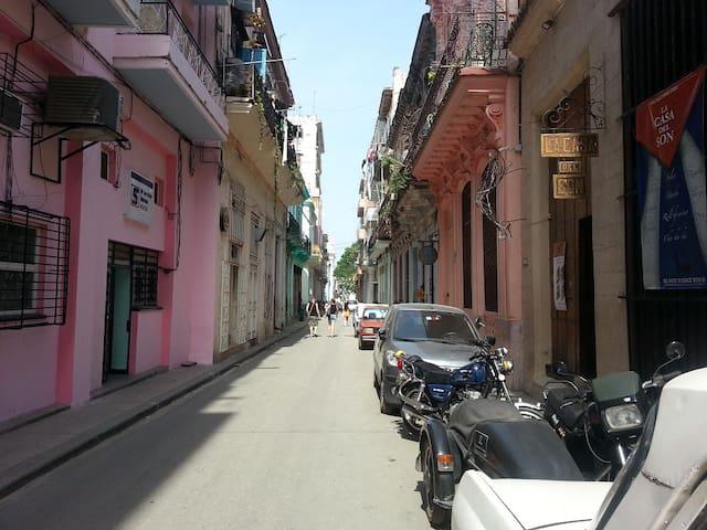 Apartamento independiente en la Habana Vieja