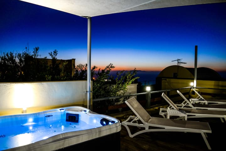Cycladic apartment with jacuzzi