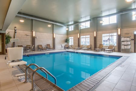 Free Breakfast Buffet. Indoor Pool. Studio Near Lehigh Valley International Airport