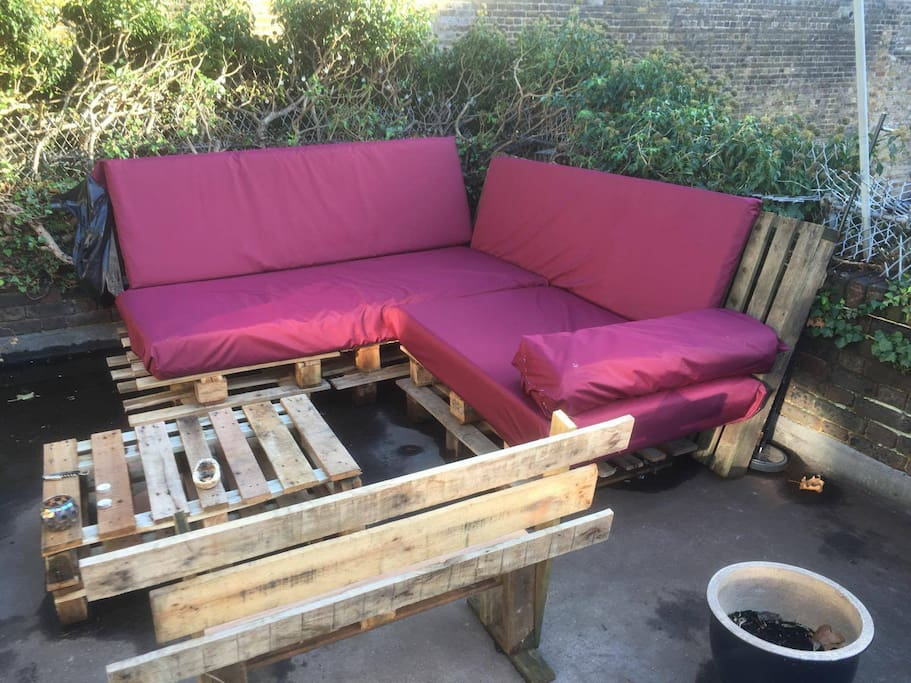 Big Double Room With Garden Amp Bbq In Camden Town Apartments For Rent In London United Kingdom