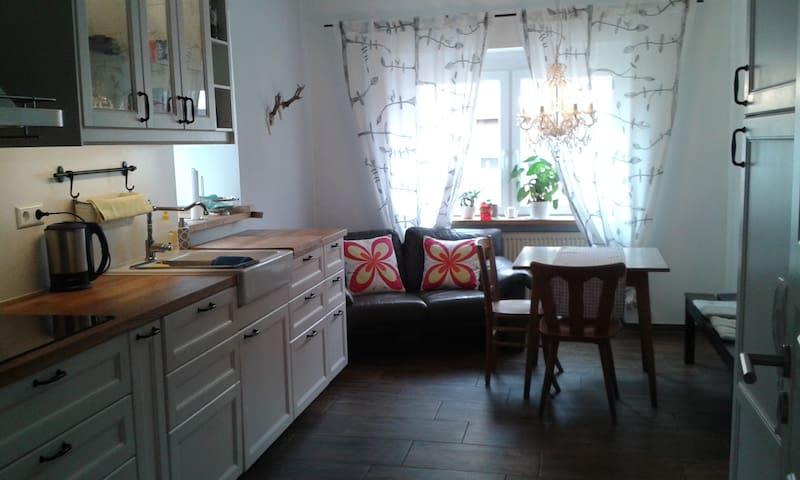 Apartment mit Landhausküche