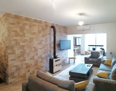 2 bedroom Cosy retreat - furnished fully equipped