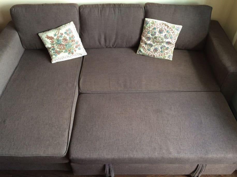 Размер дивана 140x210  The size of the sofa 140x210