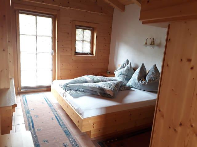 Ferienzimmer mit Balkon - bis zu 3 Personen