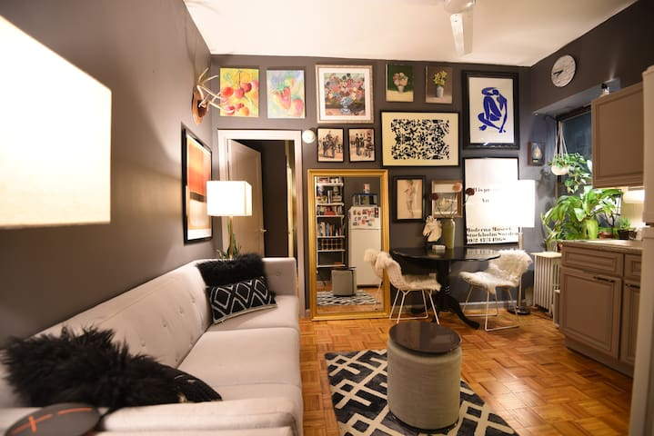 Art gallery apartment in the center of Manhattan