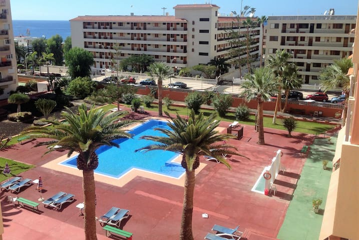20% OFF MAY & JUNE!!! POOL, WI-FI, PARKING, UK TV! - Arona - Appartement