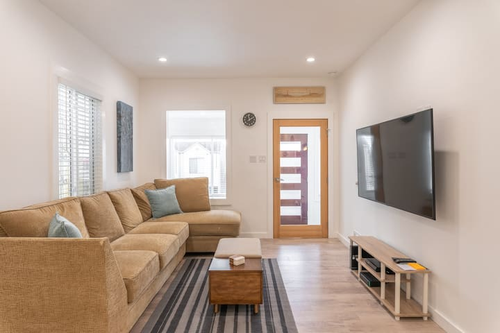 Remodeled modern space in Daly City