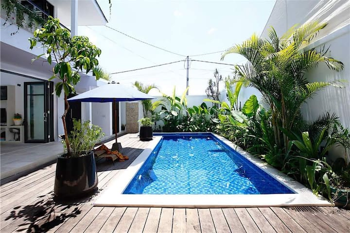 Canggu Oasis - 700m from the beach