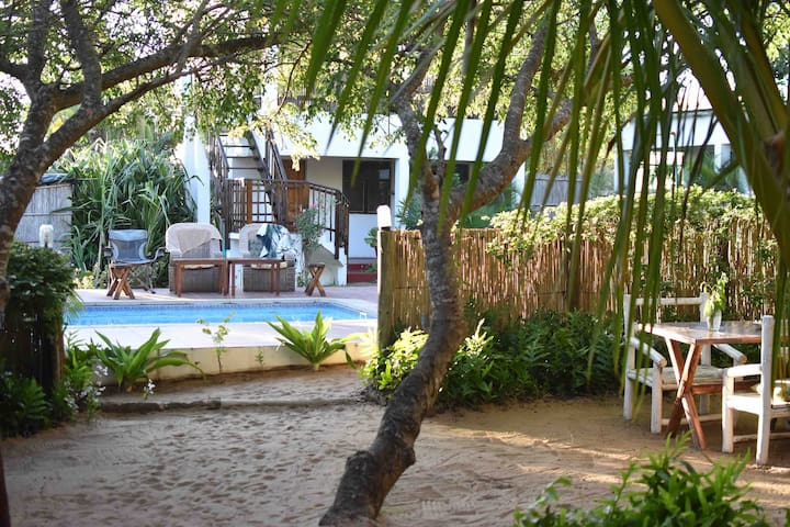 Boutique Gamboozini Lodge