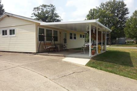 SFH, Garage/Breeze Room, L. yard - Delaware