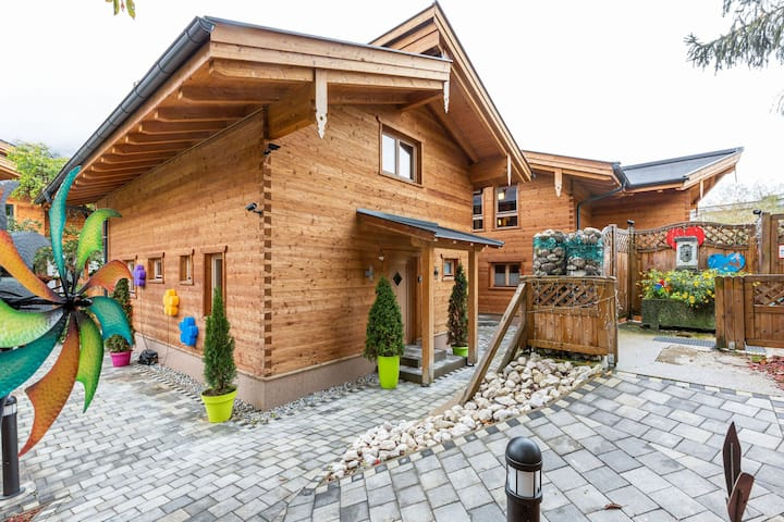 VIntage Chalet with Sauna and Jacuzzi in Kaprun