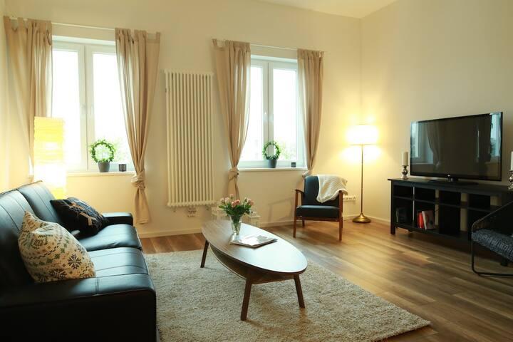Moderne Altbauwohnung mit Blick auf Salzspeicher - Lübeck - Appartement en résidence