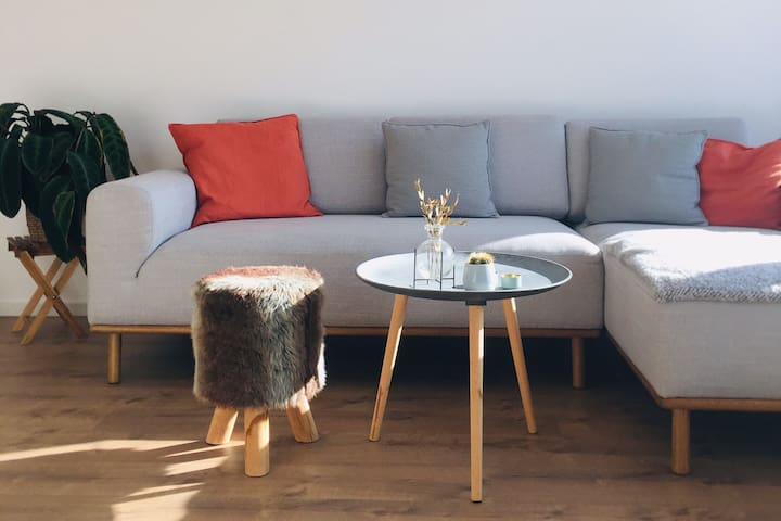 Stylish, bright and quiet apartment in Munich