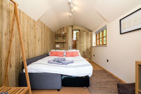 The Garden Studio at Hazel Cottage - Ludlow - Bed & Breakfast - 2