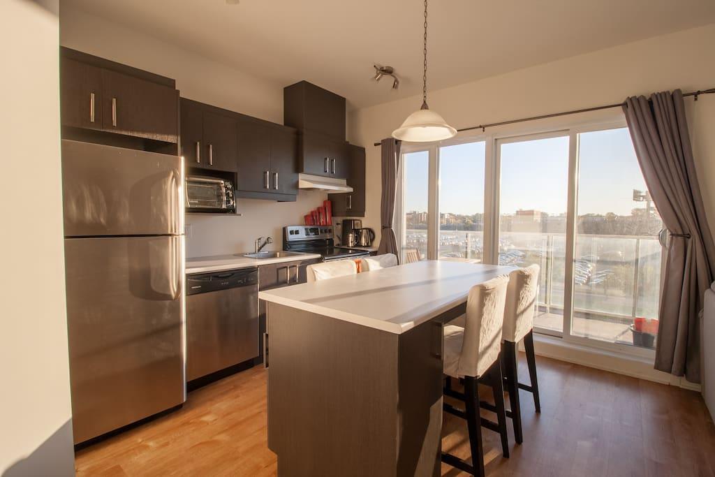 Warm modern open concept kitchen