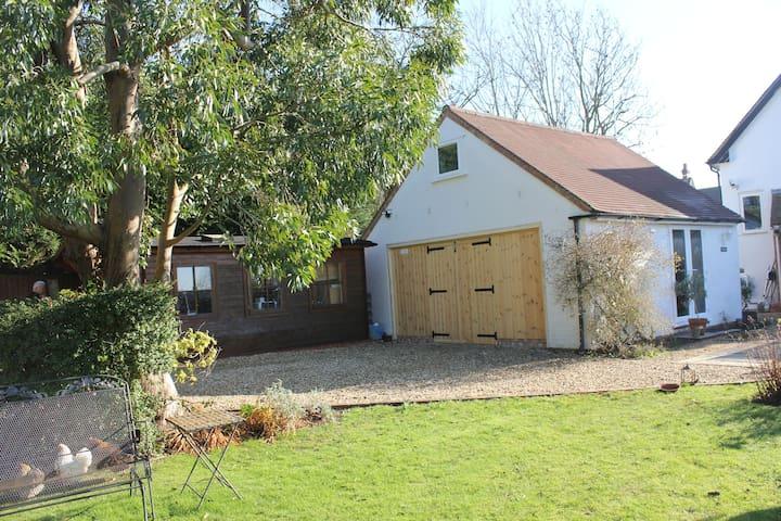 The Lodge in Pathlow near Stratford upon Avon