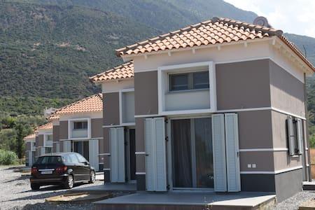 Alati - Sergoula - 단독주택