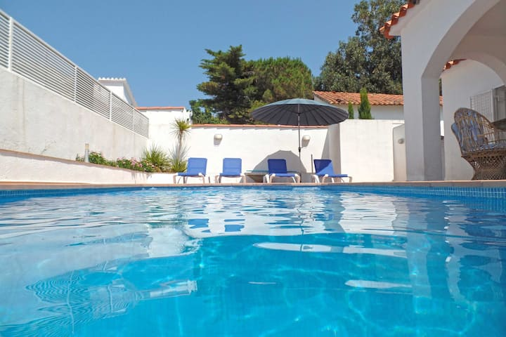 VILLA 8PERSON PRIVATE POOL FREE WIFI 350M BEACH