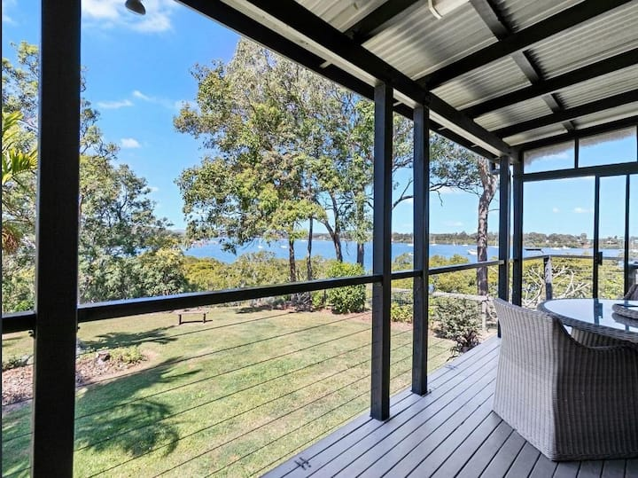 Turtle Hamlet - Absolute waterfront/ private jetty