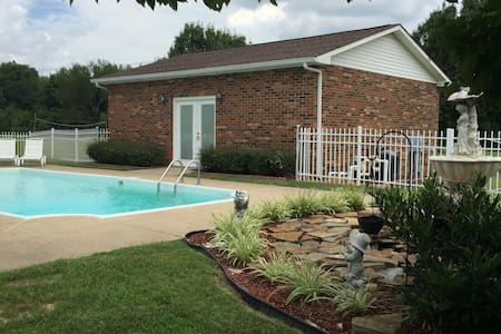 Country Retreat with pool; minutes to Nashville - Nashville - Pis