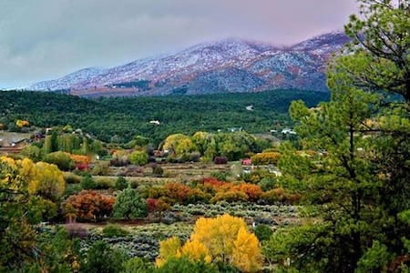 Event Venue: Taos Goji Farm Cabins - San Cristobal