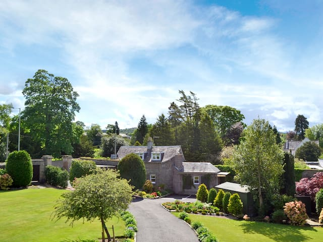 Boatland Lodge (W3047)