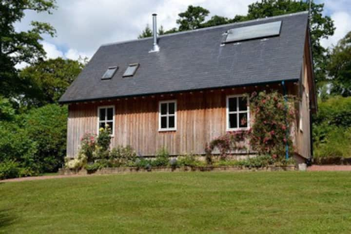 Charming Lodge in the Campsie Fells