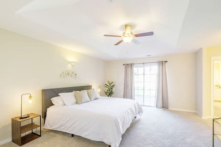 ❤️ Luxury 4 bedroom King Bed Downtown/CSU Chico